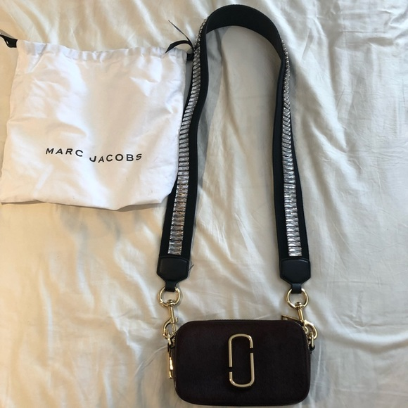 0d4a37148 Marc Jacobs Snapshot Cross Body Bag. M_5a947aada6e3ea912177fe43